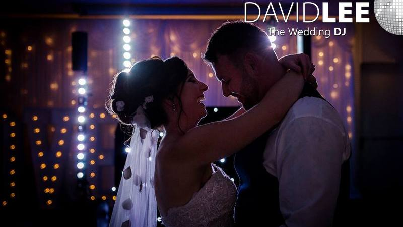 Wedding First Dance with David Lee Wedding DJ